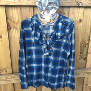 Chaps long sleeved soft blue plaid shirt with tie